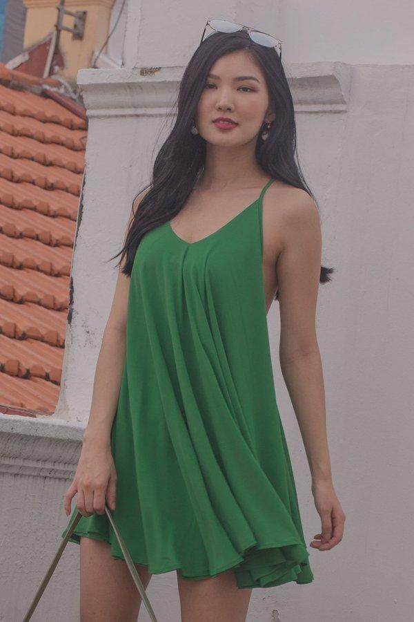 Teaser Dress in Kelly Green