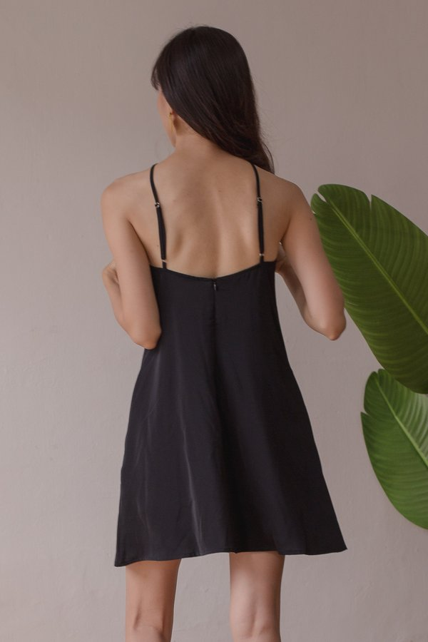 Apex Dress in Black