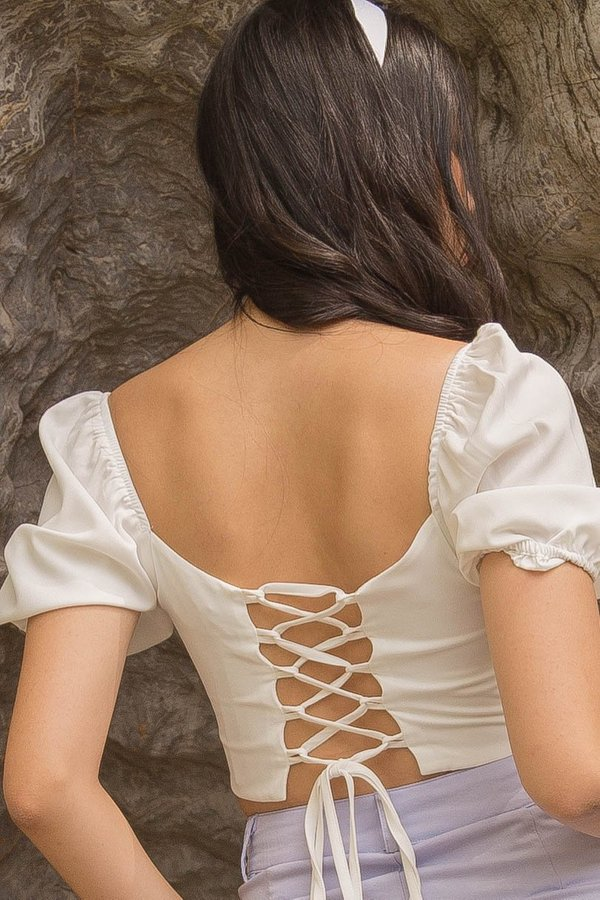 String Along Top in White