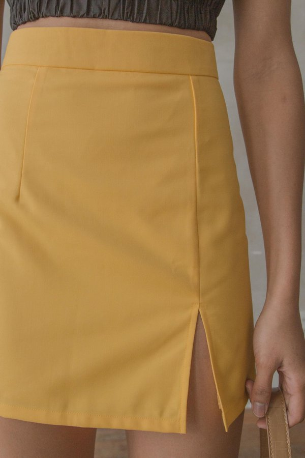 Divergence Skirt in Pollen Yellow