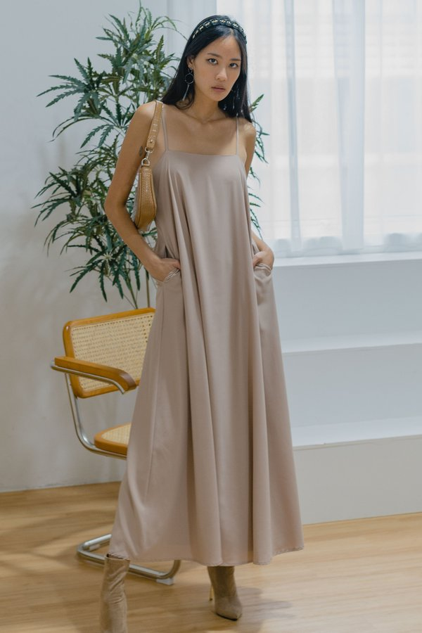 Freeflow Maxi in Taupe Brown