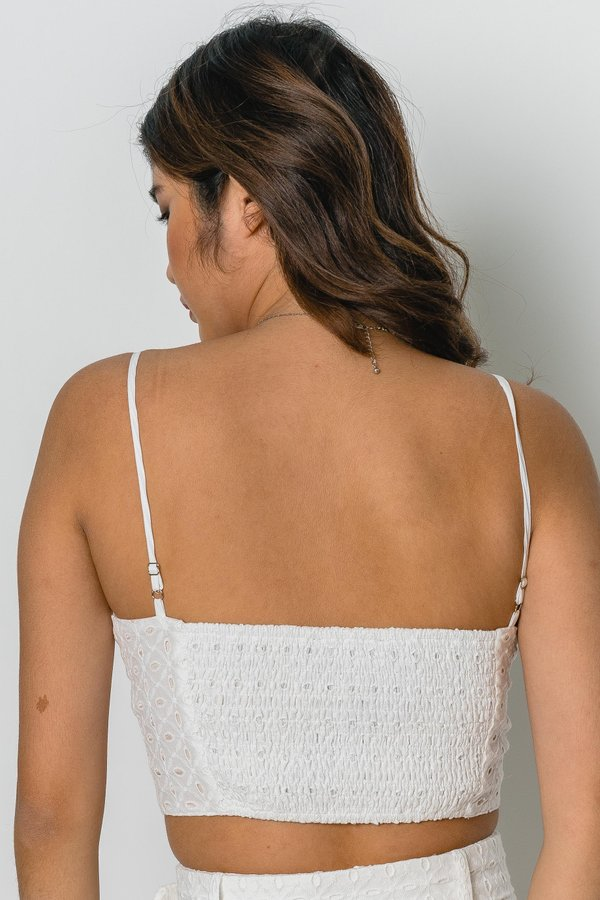 Eyeing It Top in White