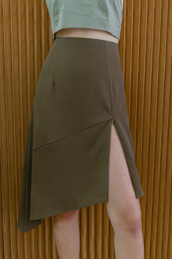 Cutting Edge Skirt in Pine Brown