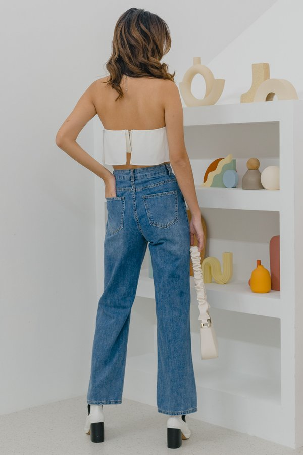 Ripped Straight Cut Jeans in Medium Wash